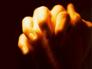 prayer_hands_gold